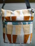 ベルギー製です。スタイリッシュなアクティブなバッグ。是非春のお出かけに。